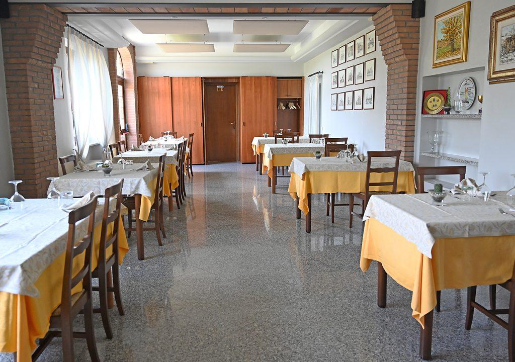 foto_sala_ristorante_torretta_1